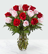 Forever in Love ™ Bouquet – 18 Roses