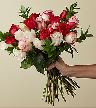 Deluxe Nutcracker Rose Bouquet