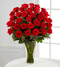 Le bouquet de roses rouges à longues tiges de FTD® - 36 tiges - VASE INCLUS