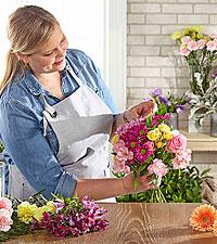 Bouquet assorti conçu par le fleuriste