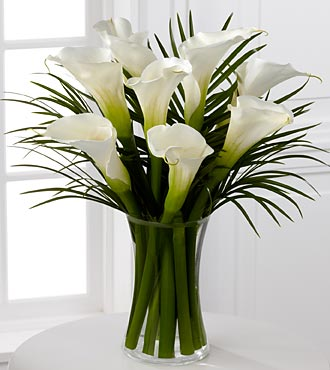 Endless Elegance Calla Lily Bouquet - 8 Stems = VASE INCLUDED