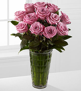 Elite™ Elegance Rose Bouquet - 12 Stems of 18-inch Roses - VASE INCLUDED