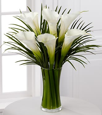 Endless Elegance Calla Lily Bouquet - 6 Stems - VASE INCLUDED