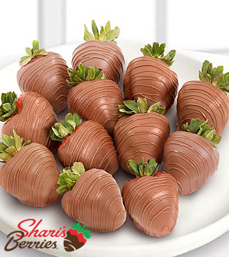 Chocolate Dip Delights™ Real Milk Chocolate Covered Strawberries - 12 piece