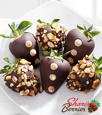 Chocolate Dip Delights® Peanut Brittle Real Chocolate Covered Strawberries - 6 piece