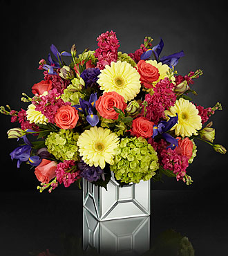 The FTD® Extravagant Gestures™ Luxury Bouquet - Deluxe