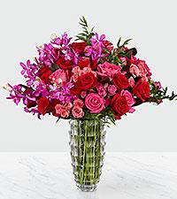 Le bouquet de luxe Heart's Wishes™ par Interflora™– VASE INCLUS