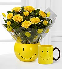 Smile Sensation Mini Rose with Ceramic Mug