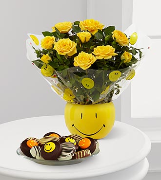 Smile Sensation Mini Rose with Oreo® Cookies