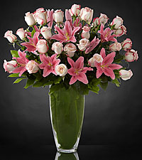 Exquisite Luxury Rose Bouquet - 30 Stems of 24-inch Premium Long-Stemmed Roses - VASE INCLUDED