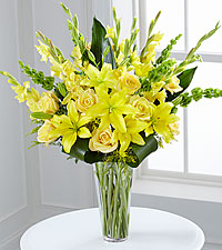The FTD® Glowing Ray™ Bouquet - Deluxe