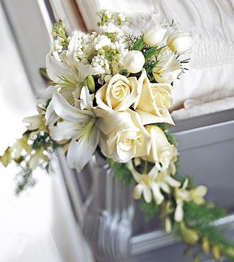 La décoration de cercueil Elegant Remembrance™ de FTD®