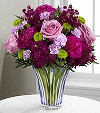 Le bouquet Timeless Traditions™ - VASE EN VERRE TAILLÉ INCLUS