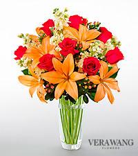 Bouquet Luxe Looks<sup>&trade;</sup> de FTD® par Vera Wang - VASE EN VERRE TAILLÉ INCLUS