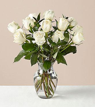 12 Stem Moonlight White Rose Bouquet With Ginger Vase